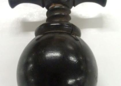 Photograph of Thumbscrew torture device