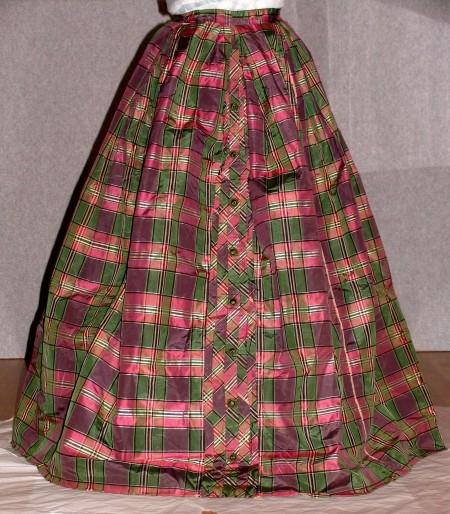 Silk taffeta check skirt, 1837 (Tongarra Museum Collection)