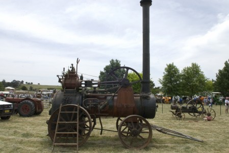 Portable Southern Cross steam engine