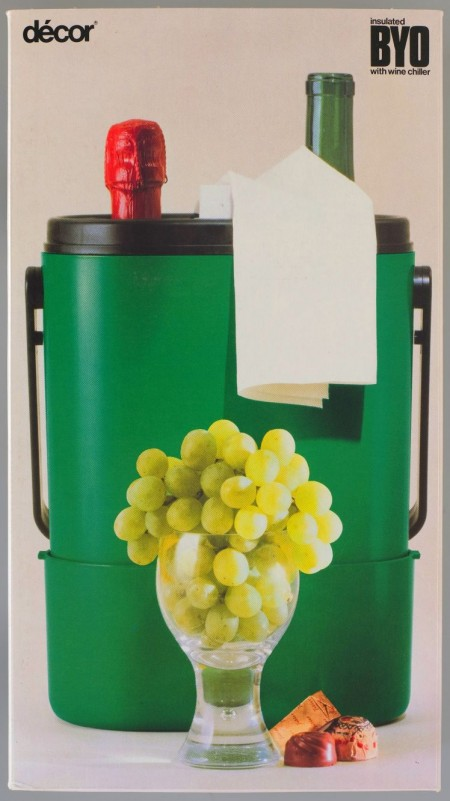 Décor BYO wine carrier poster