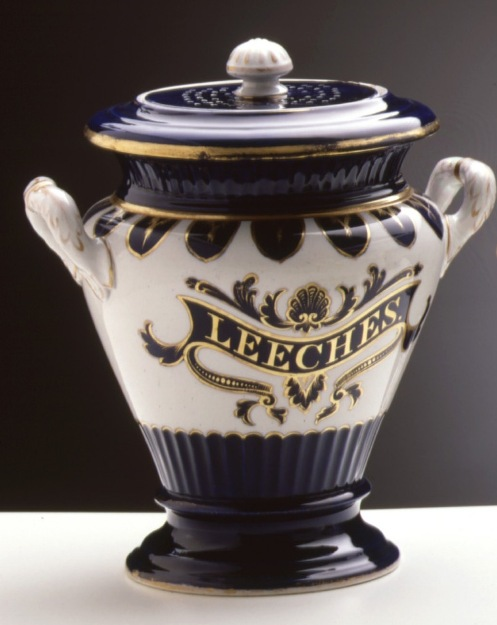 """Porecelin medical jar with the text """"Leeches"""" written in gold"""