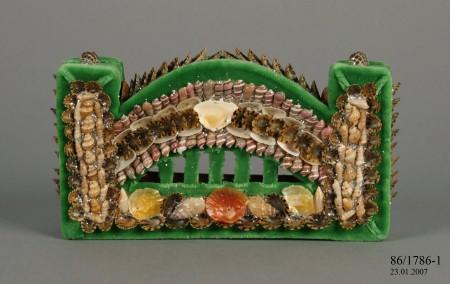 'Sydney Harbour Bridge' model made of shell / fabric, by Mavis Longbottom and Lola Ryan 1986