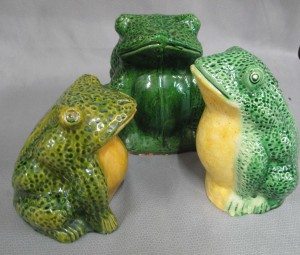 Stoneware frogs 1910-1950