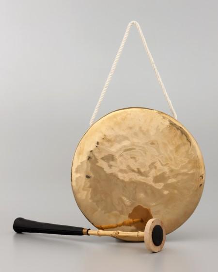 Kkwaenggwari, small gong, bronze, Korea, 2000