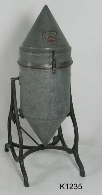 Photograph of compressed air manual washing machine made by Wolter, Echberg and Company