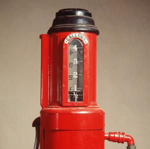 Photograph of Hammond Visible hand-powered petrol pump, 1924