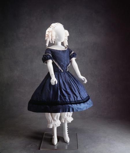 Photograph of girls blue dress 1850-1855