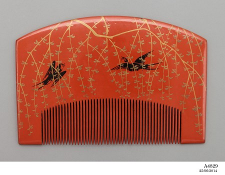 Photograph of Haircomb