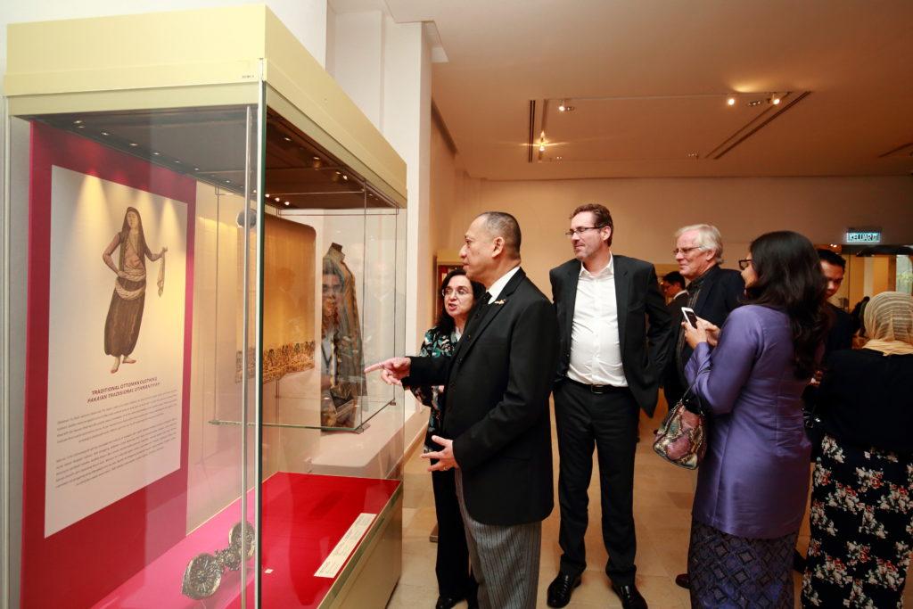 Dr. Heba Nayel Barakat and YB Dato' Seri Mohammed Nazri Abdul Azizi and HE Mr Rod Smith PSM in exhibition