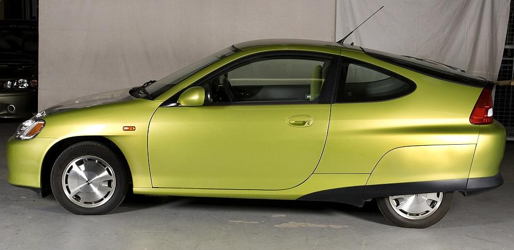 Honda Insight 3-door hatch petrol-electric hybrid car