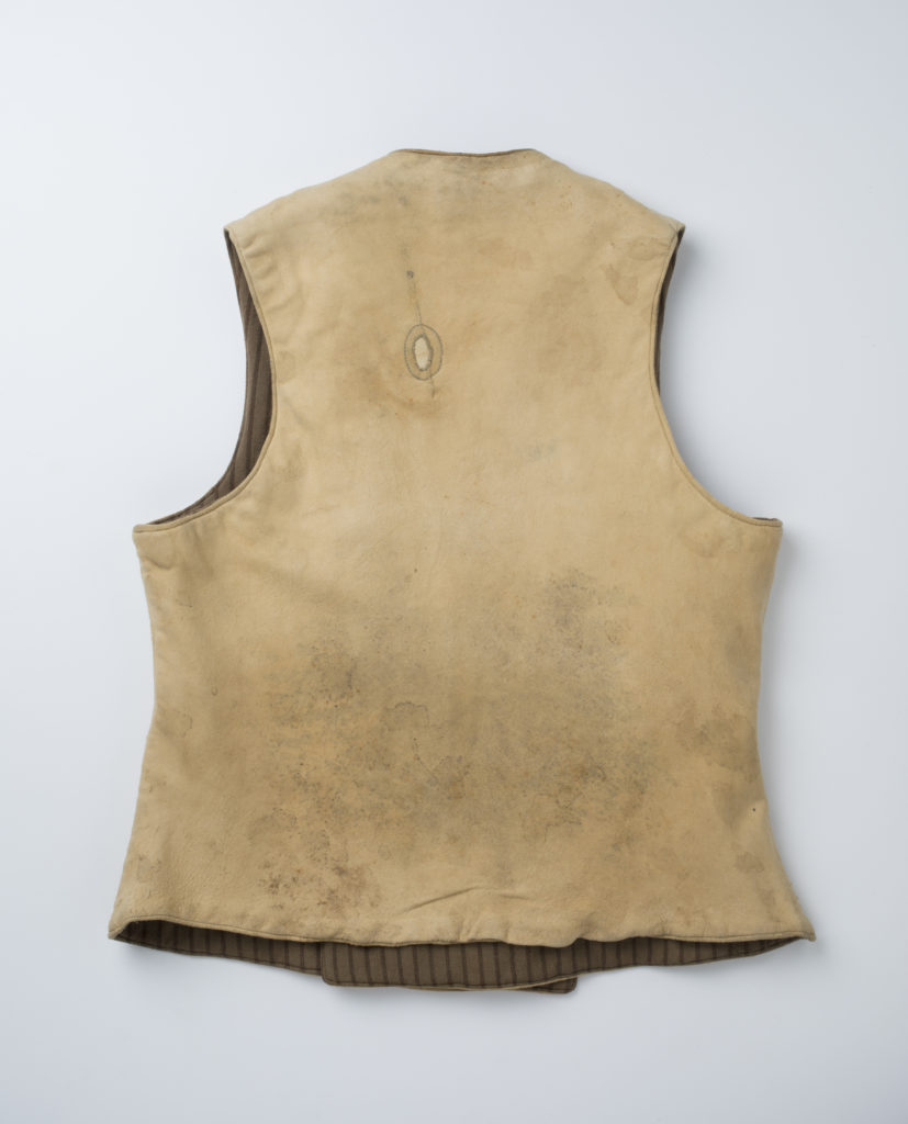 Reverse view on the vest