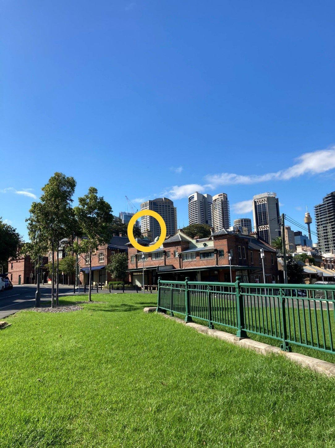The view of Sydney Observatory's time ball in 2021 from from Munn Reserve, Millers Point. Nancy Cushing, March 2021.